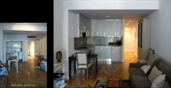 La cocina se amplió para contar con más mobiliario de almacenaje y superficie de trabajo.